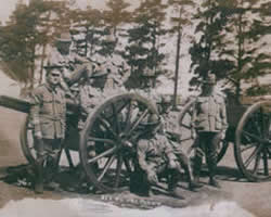 Gunner Claude Rubin Winduss (Second from Left) in World War 1
